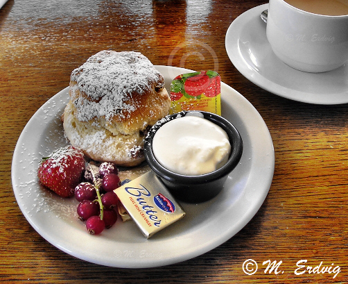 Irish Tea and Scones © Michele Erdvig