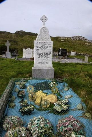 Cemetery at Derrynane Beach