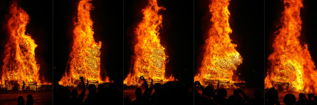 Toppling Belfast Bonfire for FriFotos