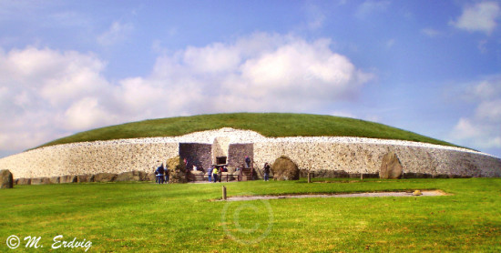 Newgrange Mound © M. Erdvig