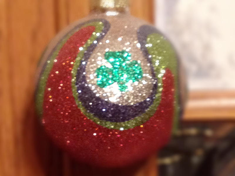 My Secret Santa was Sarah Velasquez. She sent me a beautiful Irish themed ornament. Its so sparkly and when the lights shine on it, its the star of the tree. Christmas is s special time of year isn't it. -- Alesia Barbaro --