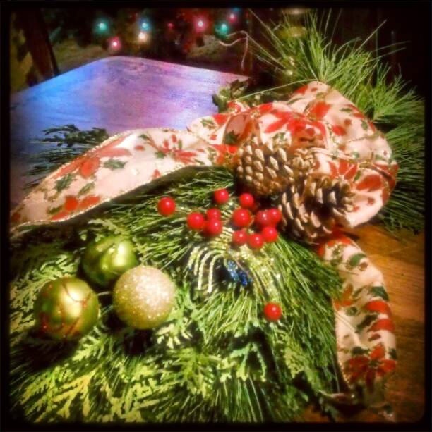 My Secret Santa was Netta in Michigan who sent this fresh, sparkling pine and cedar garland decoration. I'm using it as a centerpiece on the dining room table and every time I walk past it smells and looks like Christmas! Thanks very much for the beautiful gift, Netta! -- Sinéad