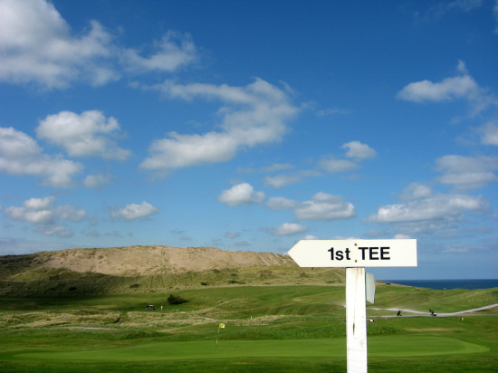 Strandhill Golf Club near Sligo, Ireland - photo via Flickr Creative Commons by John Picken